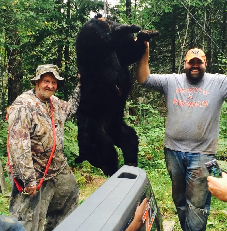 successful-wisconsin-black-bear-hunt
